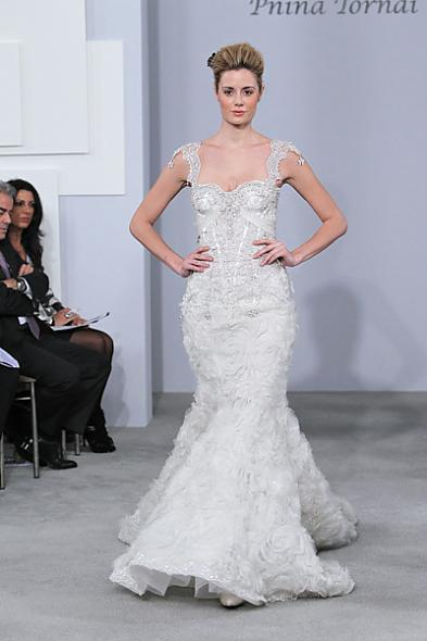Pnina Tornai Fall 2011 Wedding Gown Posted 1 year ago by penguin in Wedding
