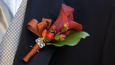 Mrs. Green Tea's DIY Boutonniere