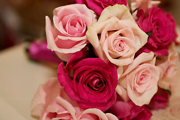 Light Pink Roses Bouquet - Rose Wedding Bouquets Pictures