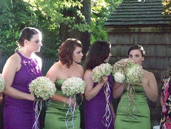http://pics.gallery.weddingbee.com/4940.wedding_weekend_5.jpg.resize